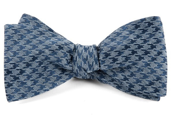 White Wash Houndstooth Blue Bow Tie