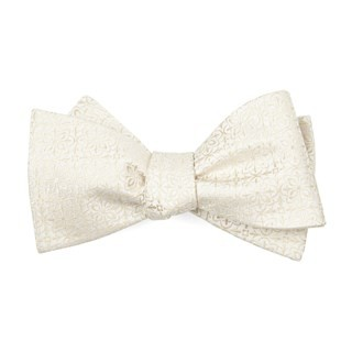 Opulent Light Champagne Bow Tie